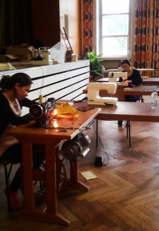 Mit Flotter Nadel Deutsch Lernen Nähstube Für Geflüchtete Im