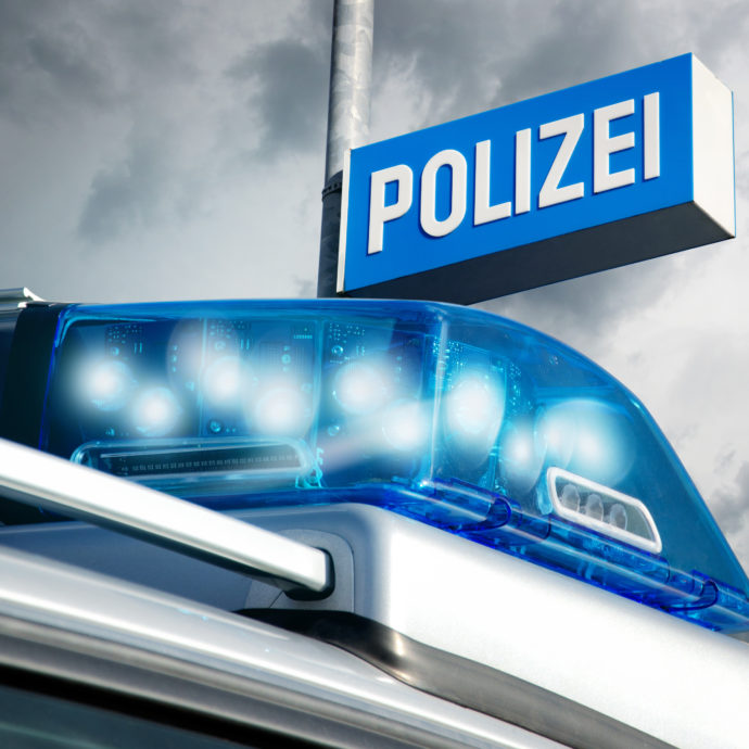 Die Polizei hat eine vermisste Seniorin aus Baiersbronn gefunden. Foto: AdobeStock
